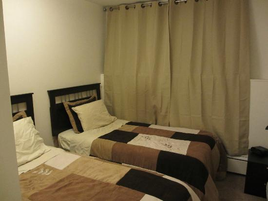 Yellowknife Polar Suite Guest Room: 寝室