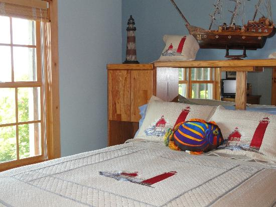 Torch Lake Bed & Breakfast: The Nautical Suite