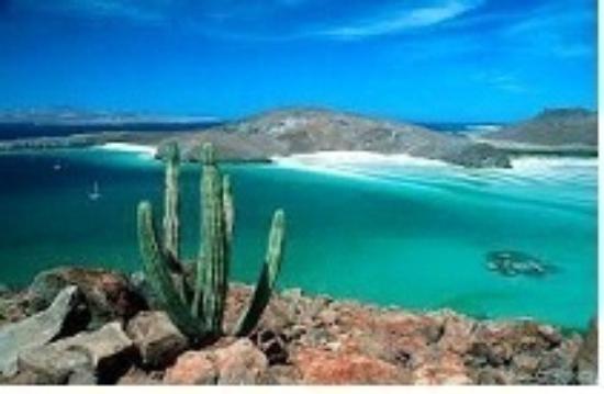 Posada Colibri: Emerald Blue Water