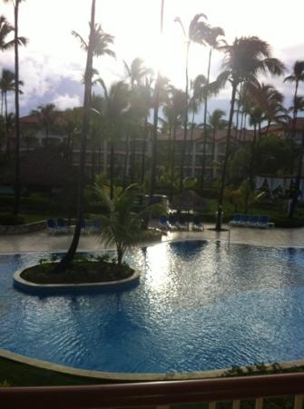 Hotel Majestic Colonial Punta Cana: view from 2nd floor balcony