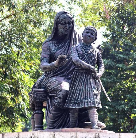 Victoria Gardens (Jijamata Udyan): Child Warrier Shivaji with his  mother  Jijamata