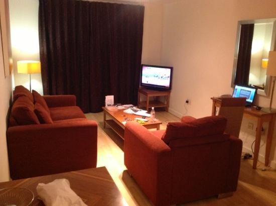 PREMIER SUITES Birmingham: my apartment
