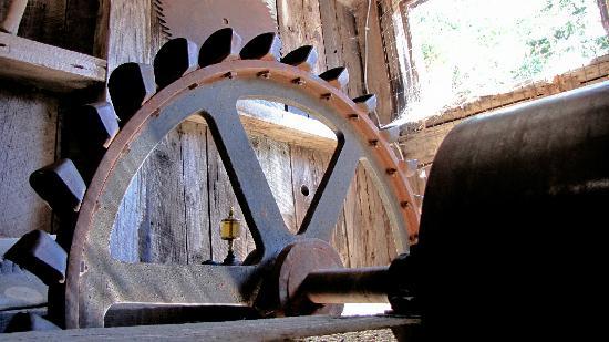 Kentucky Mine Museum: Kentucky Mine Pelton Wheel