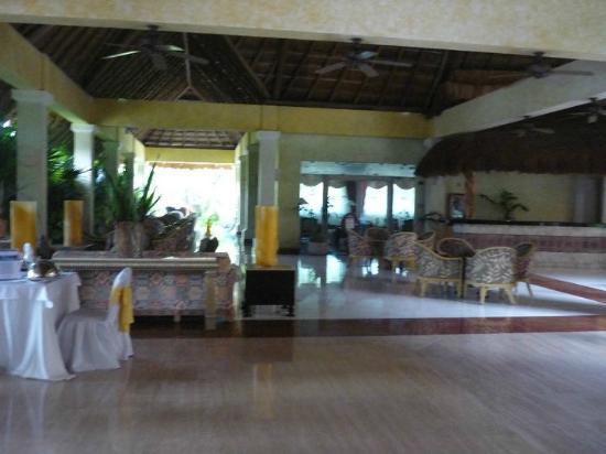Grand Palladium Colonial Resort & Spa: Lobby