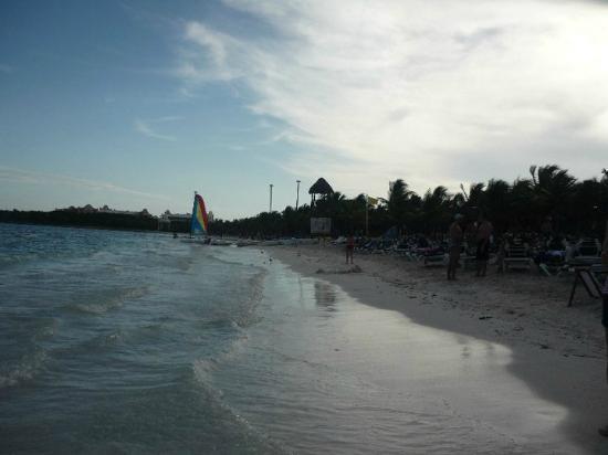 Grand Palladium Colonial Resort & Spa: plage