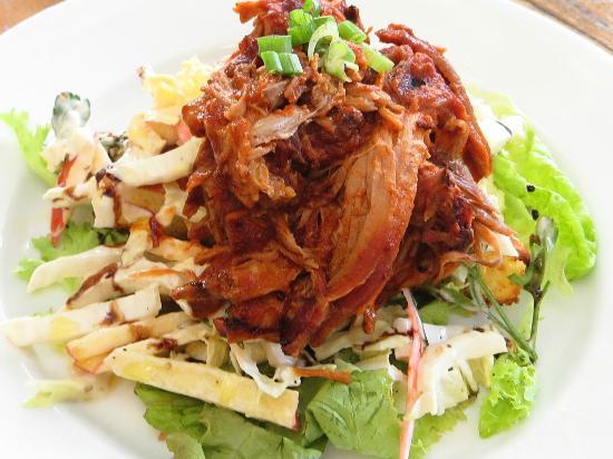 Holuakoa Cafe & Gardens : pork salad
