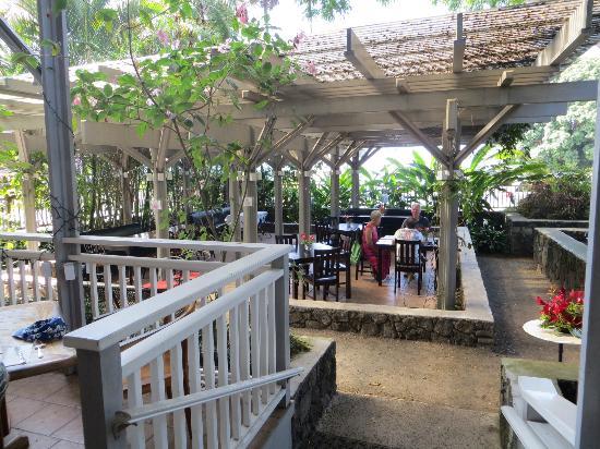 Holuakoa Cafe: outdoor seating
