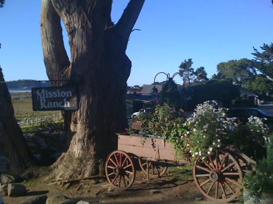 Mission Ranch: a charming entrance to the ranch 