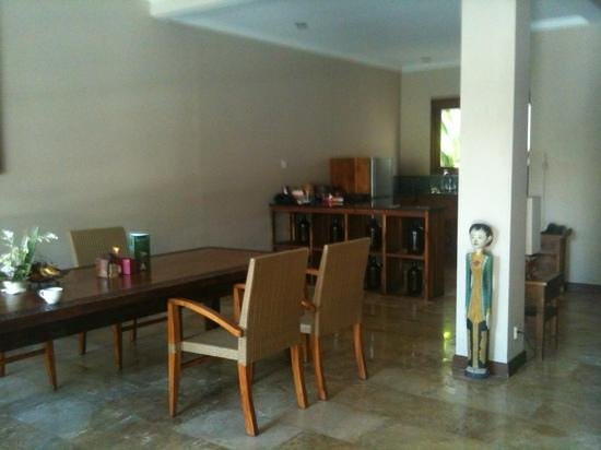 Ajanta Villas: large kitchen and dinning room