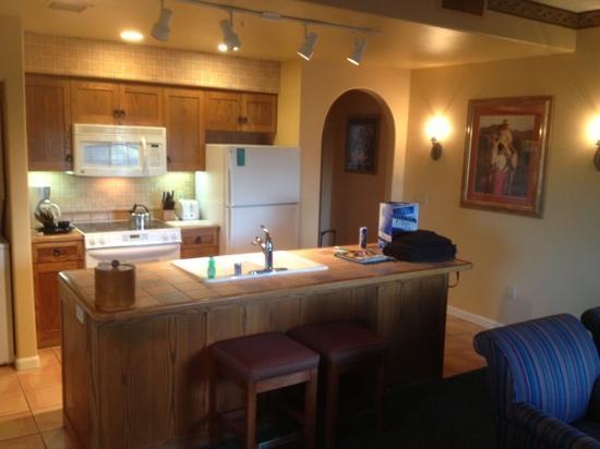 Legacy Golf Resort : kitchen