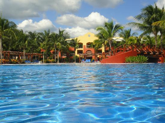 Barcelo Maya Caribe: Tropical Pool
