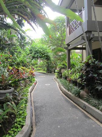 Risata Bali Resort & Spa: the garden path