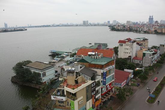 Sunset Westlake Hanoi Hotel: Vue du restaurant