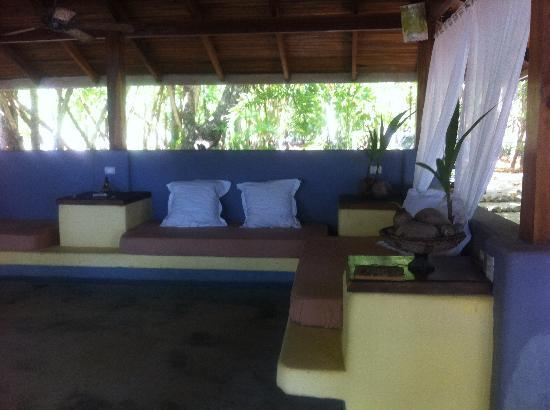 Pura Vida Bodyworks: Massage studio by the ocean!!