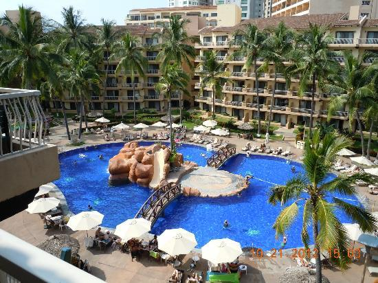 Villa del Palmar Beach Resort & Spa: View of one of the pools from our room...There are 3...!!!!!
