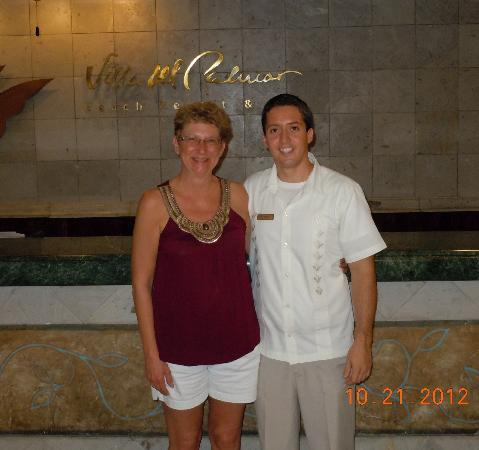 Villa del Palmar Beach Resort & Spa: Alan, front desk staff.  If your Spanish is poor, His English is good!!  Look for Him...