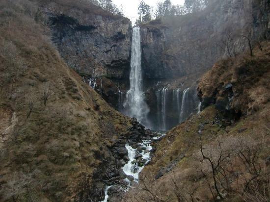 華厳の滝正面