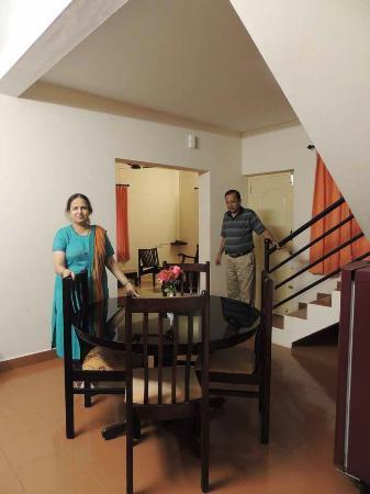 Vythiri Meadows: Dining & Living room in the Villa