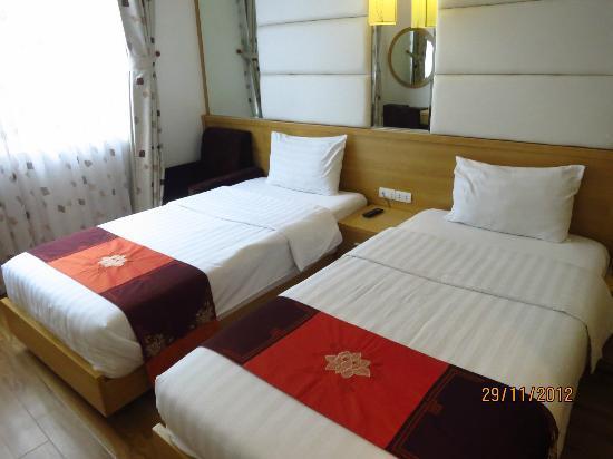 Tu Linh Palace Hotel: Room 201