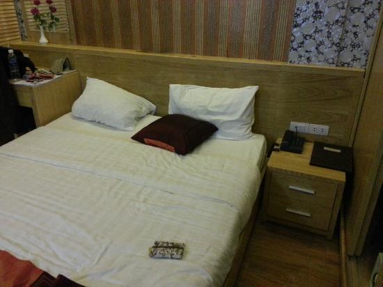 Tu Linh Palace Hotel: Room 203
