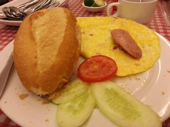 Tu Linh Palace Hotel: breakfast