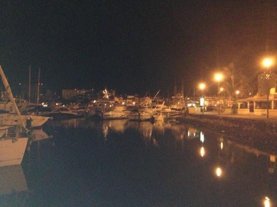 El Faro Lighthouse: Marina de Noche