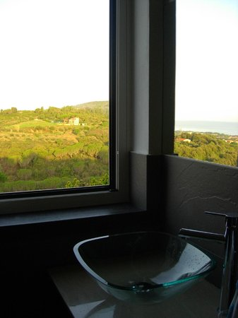 Rondinelle b&b: panorama dal bagno