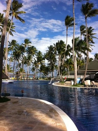 Barcelo Bavaro Beach - Adults Only: бассейн