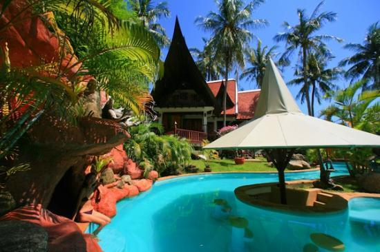 Coco Palace Resort : Pool Bar