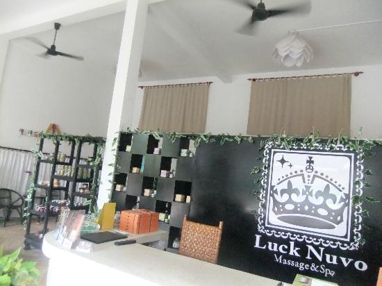 Luck Nuvo Massage & Spa: 清潔感のある綺麗な店内