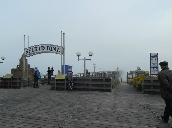 Grand Hotel Binz: Seebrücke 10 bis 15 min. vom Hotel