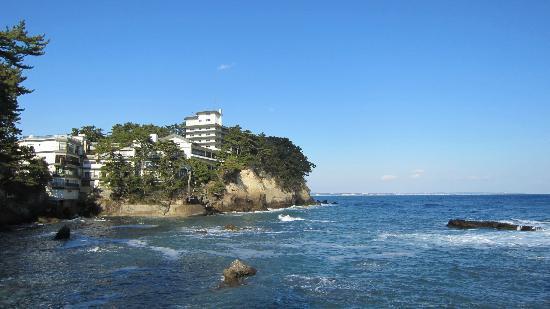 Itsuura Kanko Hotel : 六角堂から見たホテル
