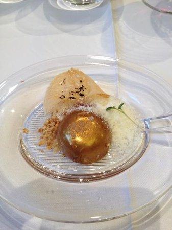 Les Magnolies: huevo de oro