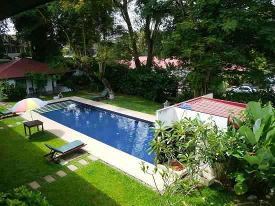 Basaga Holiday Residences: swimming pool