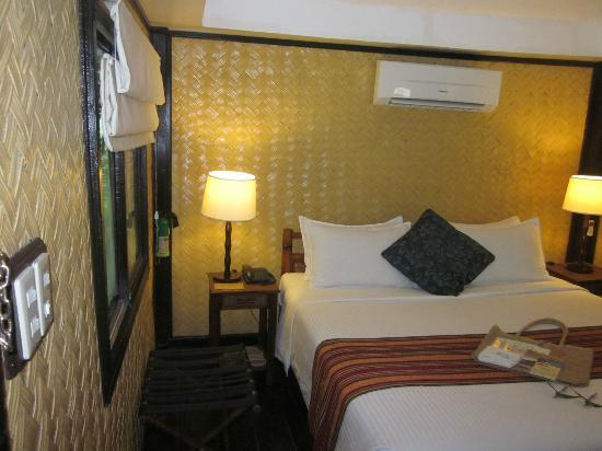 El Nido Resorts Miniloc Island: my room was pleasant and comfortable.