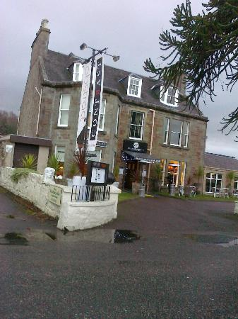 Glenmoriston Town House: hotel view from street