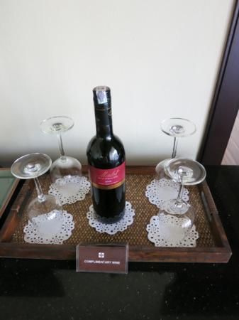 Ansara Hotel: complimentary wine in the suite
