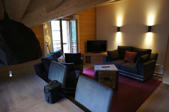 Aspen Alpin Lifestyle Hotel Grindelwald: Wohnzimmer