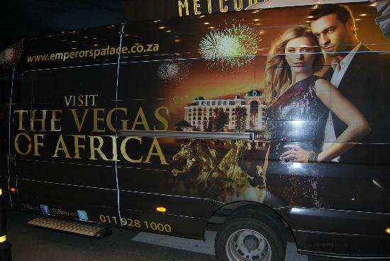 Peermont Metcourt Hotel at Emperors Palace: Le Las Vegas sud africain