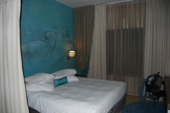 Peermont Metcourt Hotel at Emperors Palace: chambre