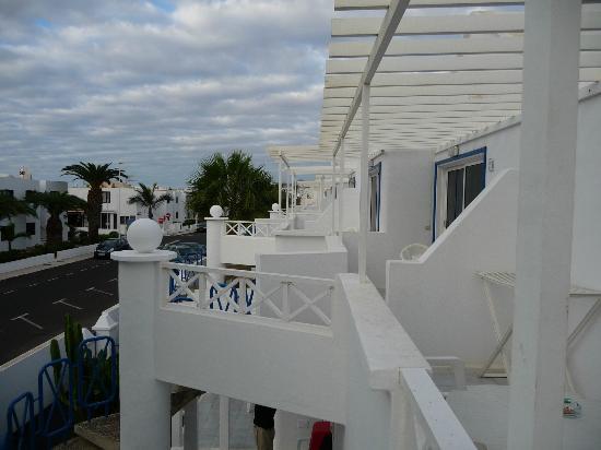 Apartamentos THe Oasis: Balcony View