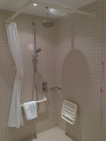 The Gibson Hotel: wet room in 613