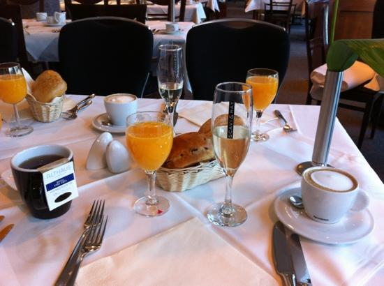 Arcadia Grand Hotel Dortmund: Start of a perfect breakfast