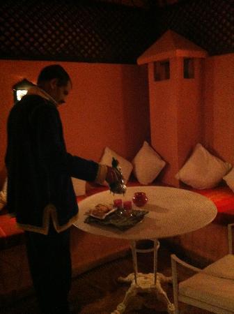 Riad Adriana: terrase: thé du soir!