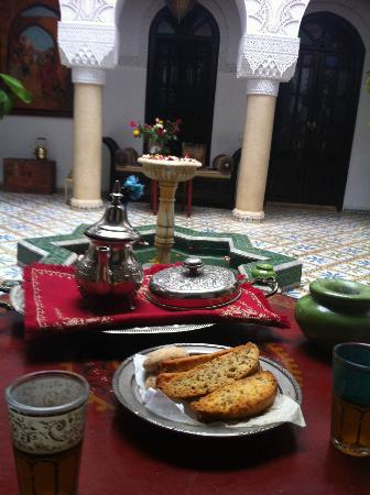 Riad Adriana: le thé d'accueil