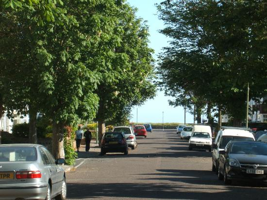 The Waterside B&B: 175 yds from Southbourne Beach