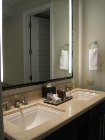 Key West Marriott Beachside Hotel: Bathroom