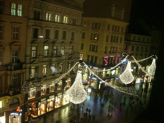 DO & CO Hotel Vienna: Christmas lights