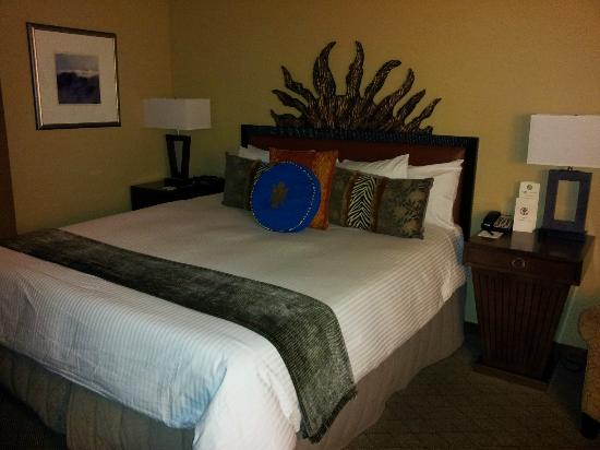 The Heathman Hotel: Queen bed room