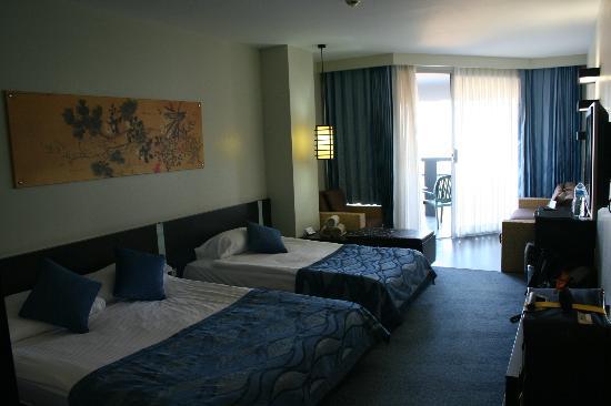 Limak Lara De Luxe Hotel&Resort: Zimmer 